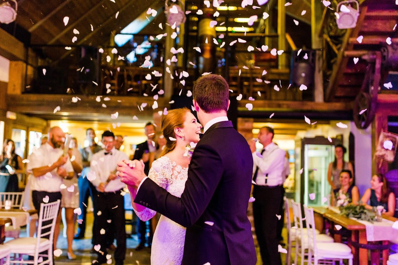 První novomanželský tanec a tipy na skladby - Svatební agentura ... 73d24004ce